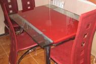 Стол стекло с красной полосой